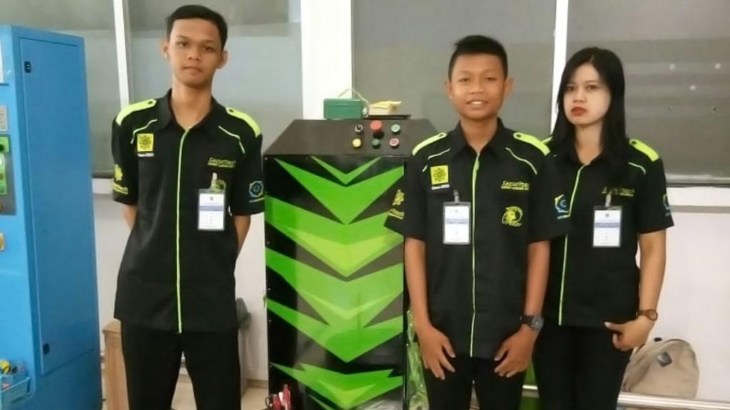 Jasa Pembungkusan Bagasi di Bandara Internasional Jenderal Ahmad Yani Semarang 3