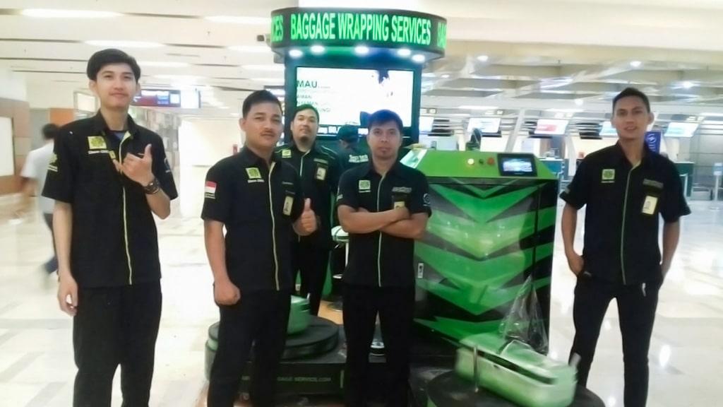 Jasa Pembungkusan Bagasi di Bandara Internasional Juanda Surabaya 2