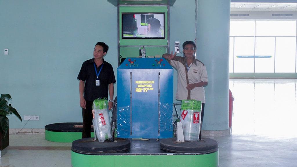 Jasa Pembungkusan Bagasi di Bandara Internasional Lombok 1