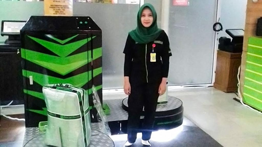 Jasa Pembungkusan Bagasi di Bandara Internasional Sultan Aji Muhammad Sulaiman Sepinggan Balikpapan 2