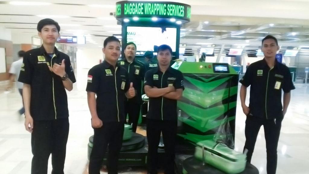 Jasa Pembungkusan Bagasi di Bandara Internasional Sultan Hasanuddin Makassar 6