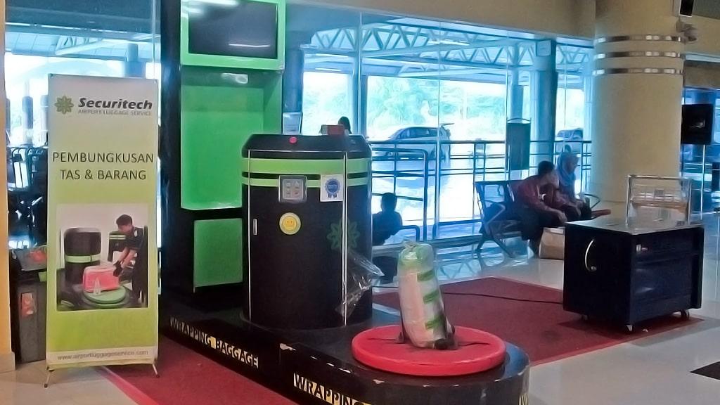 Jasa Pembungkusan Bagasi di Bandara Internasional Sultan Mahmud Badaruddin II Palembang 2